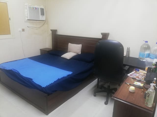 High Class Furnished room for decent professionals