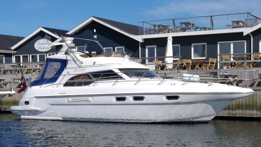 Challenger Yacht i Handbjerg Marina