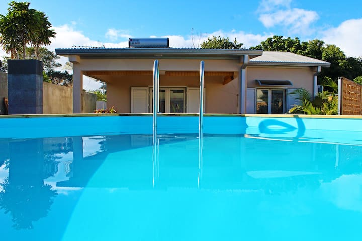 Calm House with Swimming Pool — Villa Exoticaz