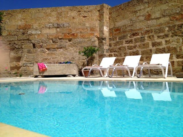Appartamento AFFRESCO nel Palazzo con piscina - Alessano - Flat