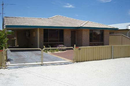Holiday home by the bay - Jurien Bay - Σπίτι