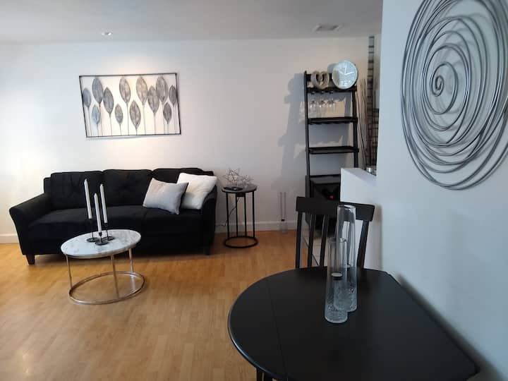 Fantastic location. Pets Welcome! Superb amenities