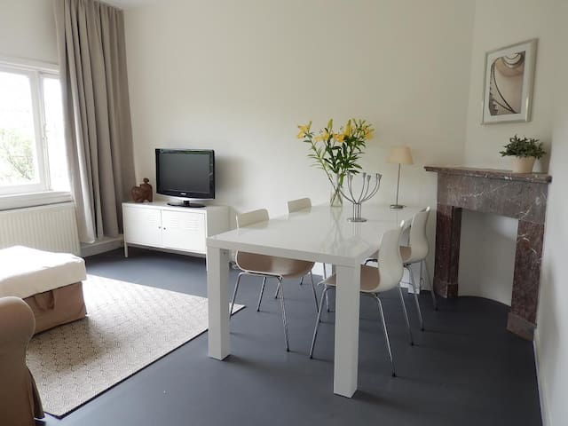 Close to the Beach 2 (long term stay available) - Den Haag - Apartment
