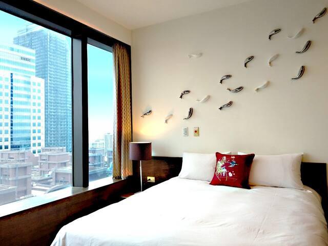 【高雄85大樓】高樓層景觀東方人文風格套房(魚之樂)