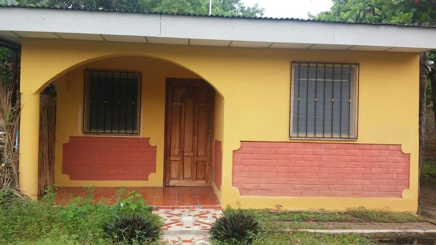 Comodo apto centrico en moyogalpa - Moyogalpa - Apartment