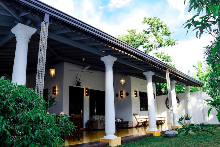 Sea Breeze Summer House - Galle