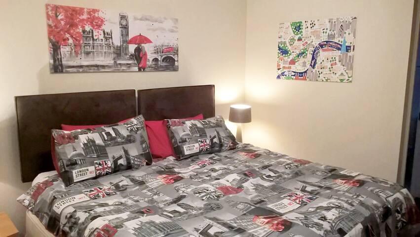 Quiet garden bedrooms in Kensington and Chelsea