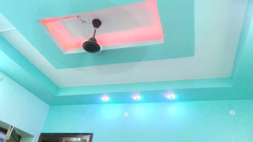 T Nagar Pondy Bazaar 1BHK Fully Furnished