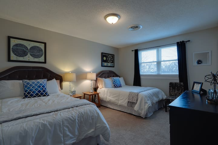 Free Parking and Rooms for Many Guests!