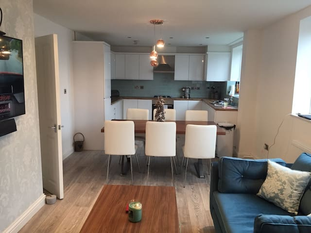 NICE FLAT IN HEART OF BLACKHEATH - Londra - Daire