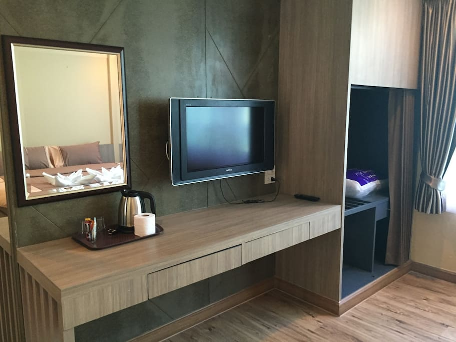 LED + Cable TV Complimentary Coffee/ Tea Station