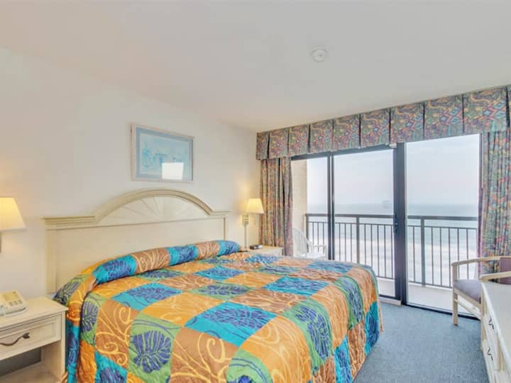 ❤️Magnificent OceanFront Views from this 8th floor Suite! Direct Ocean Front!