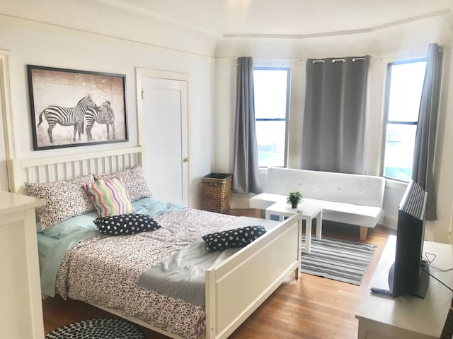 SF| Cozy private studio. Fully equipped