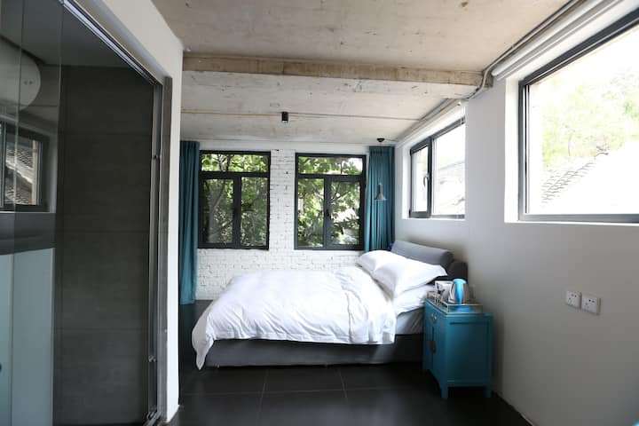 【BBK35】【East】Local's private courtyard