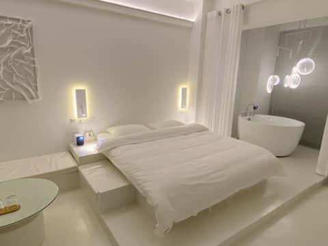 【不闻晚风】「知寒」圆形浴缸/超大屏投影/落地窗/极简纯白风