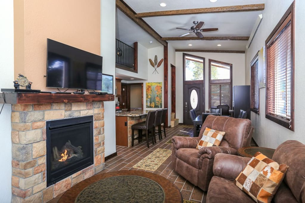 Large Open space, tiled floors, gas fireplace
