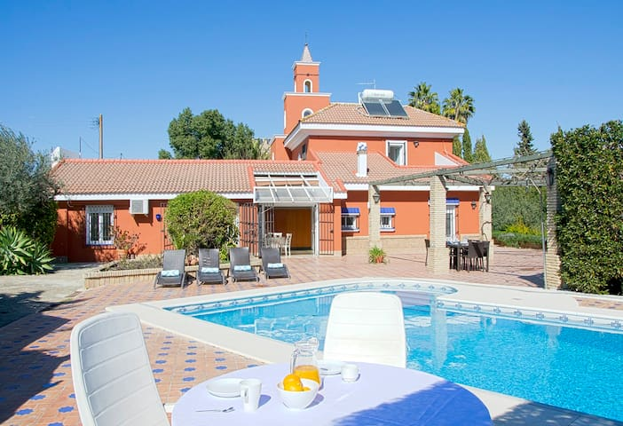 Luxury Villa: Vista Sevilla