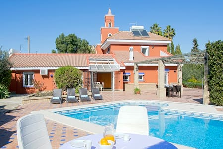 Spacious and luxurious Villa in Seville Area