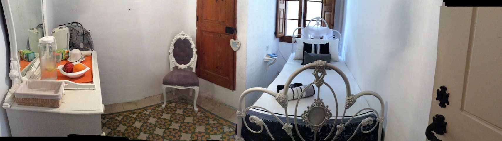 Cosy refuge for one! - Il-Gżira - House