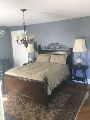 Master suite at the Goddard Mansion