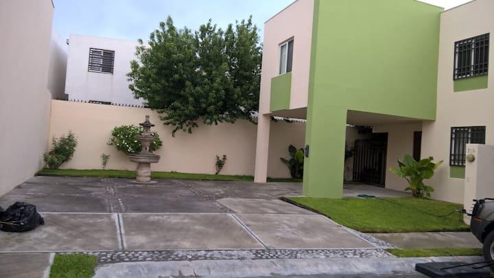Habitación 1 o 2 personas Acogedora Zona  García