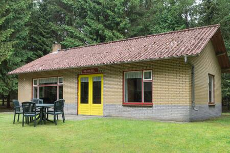 6-persoons bungalows (B1) in een bosrijke omgeving - Lage Mierde