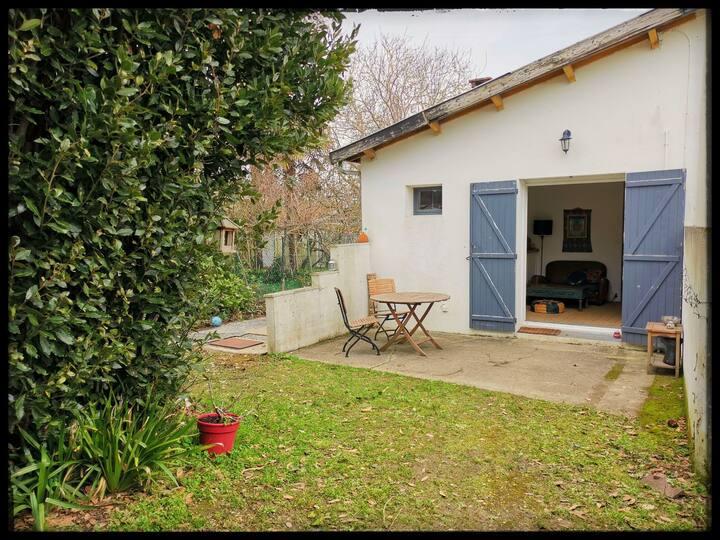 """Maison """"le nid"""", la nature en ville, 2 chambres"""