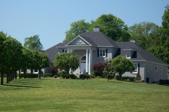 Rolling Hills Estate Annex