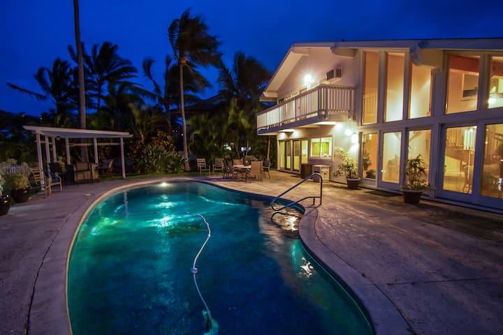 Honolulu Waterfront Villa with Pool and Marina