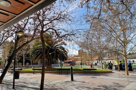 Habitación acogedora y luminosa zona universidad