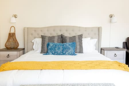 Bohemian Inspired Home In Alhambra LA w/ King Bed