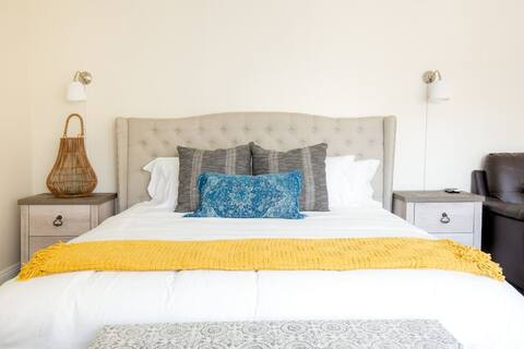 Bohemian-Inspired Home In Alhambra LA w/ King Bed