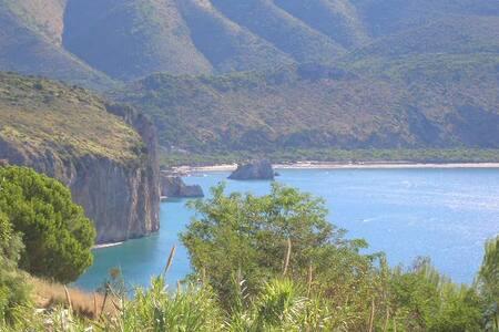 Incantevole vista sulla Baia del Buondormire - Palinuro - Leilighet