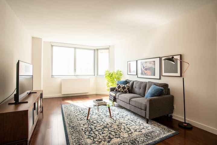 Charming 1BR in Murray Hill, Gym + Pet-Friendly