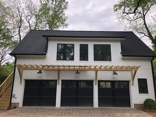 2 blocks from UNC - Brand NEW w/Tesla Charger!