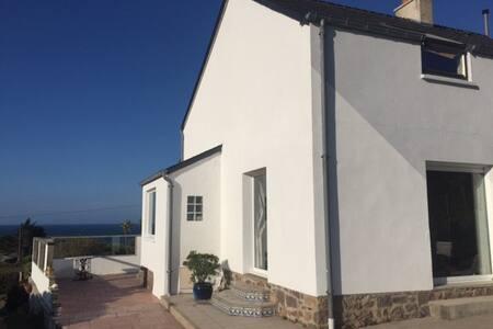 maison véranda face à la mer - Fermanville - Villa