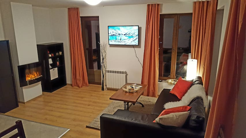 Bansko Ski apartment | Next to lift