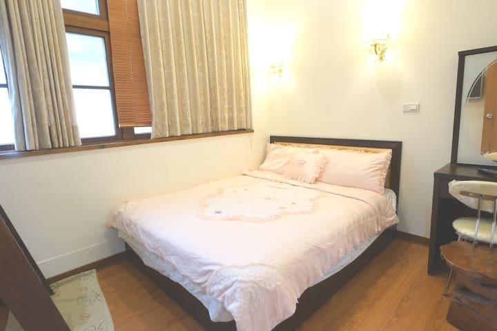 眾悅民宿(Zhongyue)(6) 可住3人,歡迎月租。早餐歡迎訂購,點擊房東照片看更多舒適房型喔.