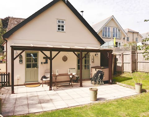Stunning dog friendly guest house.