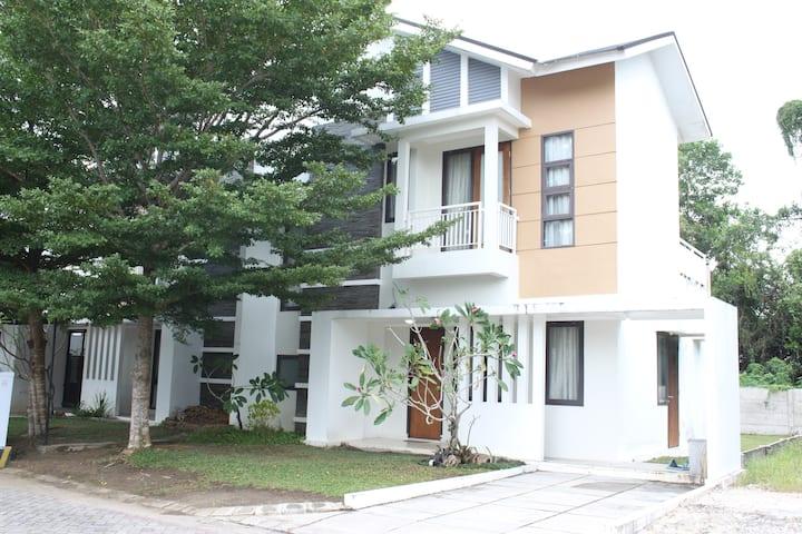 ABODE HOMES - Yuliyun Place 5 mins Pusat Kota