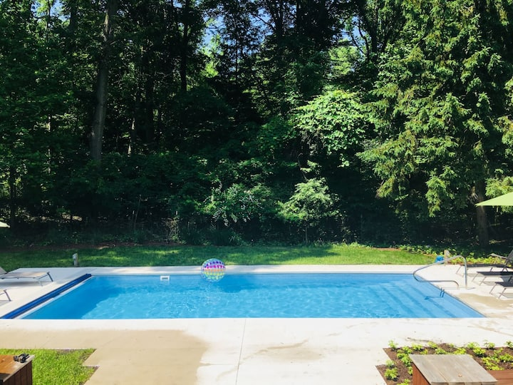 Well-Kept Family-Friendly Home w/Private Outdoor Pool, Free WiFi, and Pool Table