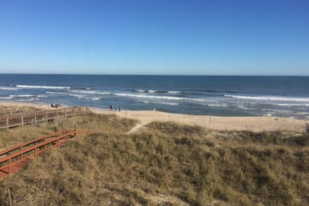 Oceanfront - On Beach & Boardwalk - Carolina Beach - 公寓
