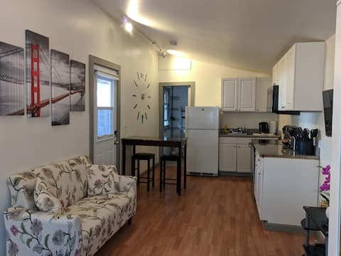 Privat studio in the heart of Silicon Valley