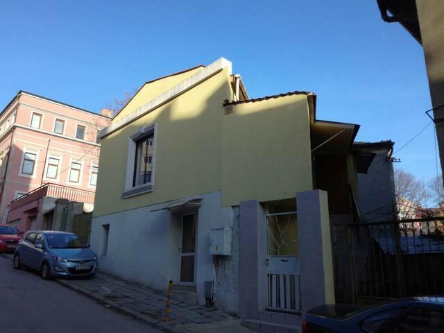 Yellow house - Varna - Leilighet
