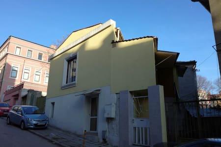 Yellow house - Varna - Appartamento