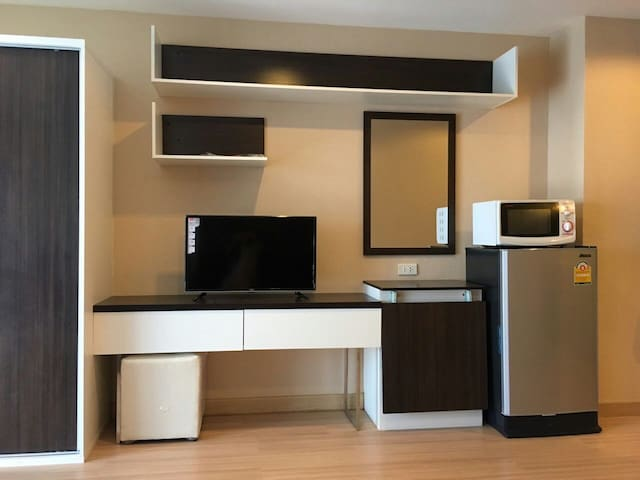 Room in  city near robinson airport