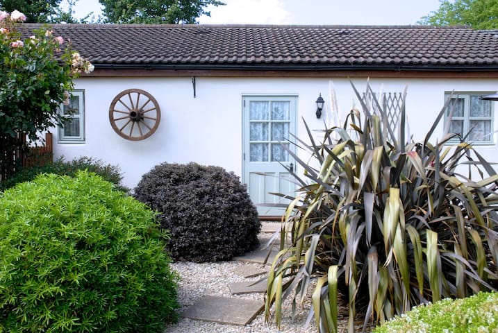 Ashton Cottage Two  sleeps 2-5 - Wedmore/ Cheddar - 단독주택