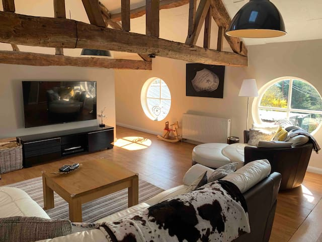 The Old School House barn Hereford Apartment