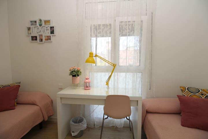 Habitacion para 2 personas, céntrica y limpia