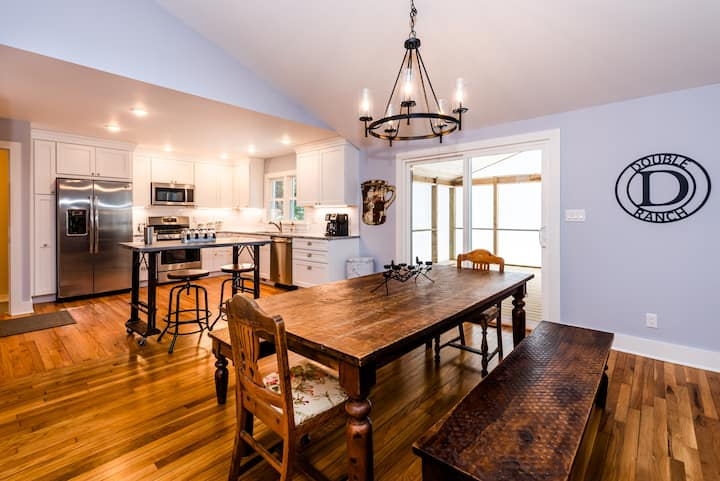 10 Person Home -Newly Renovated in Union Pier